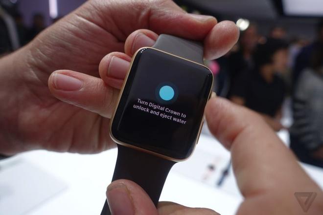 Apple Watch Series 2: Chiu nuoc o do sau 50m hinh anh 1