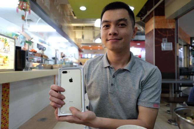 iPhone 7 duoc ban nhu rau ngoai cho hinh anh 32