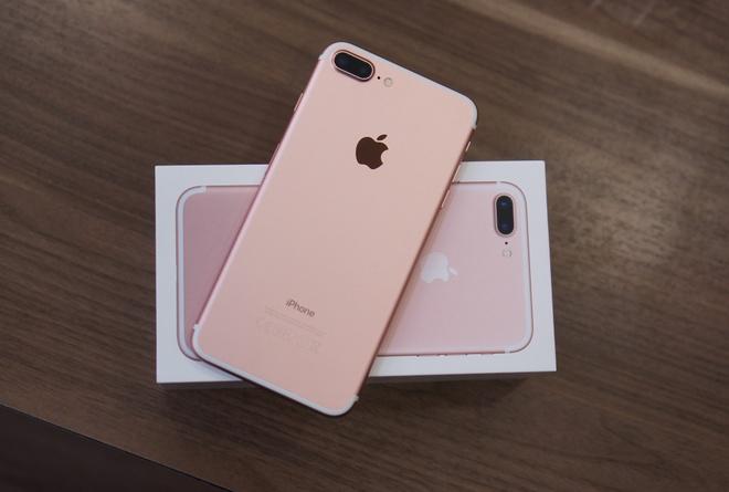 iPhone 7, 7 Plus phat tieng keu la khi chay hinh anh