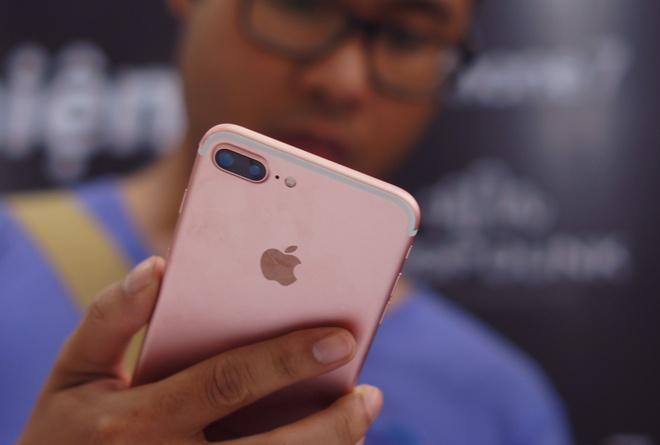 Di dong cao cap tai VN: Doi thu tu don duong cho iPhone hinh anh