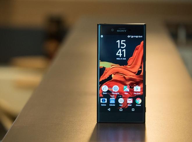 6 smartphone dang cho doi vao cuoi nam hinh anh 3
