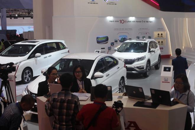 Vietnam Motor Show 2016: Nhieu xe hot nhung thieu gia vi hinh anh 3