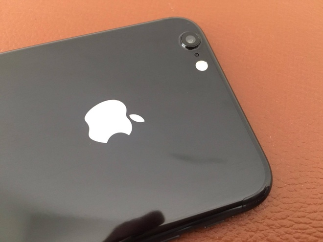 do iPhone 6 Jet Black anh 3