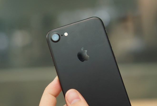Nhieu iPhone 7 dinh loi bong dung bien thanh 'cuc gach' hinh anh