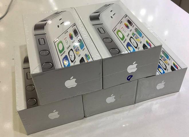 Sau iPhone 3GS, den luot 4S chua active xa hang ve VN hinh anh 1