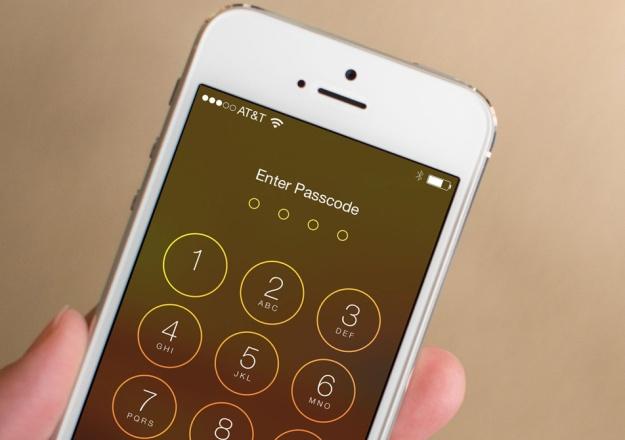 FBI lai mac ket voi iPhone cua nghi pham khung bo hinh anh