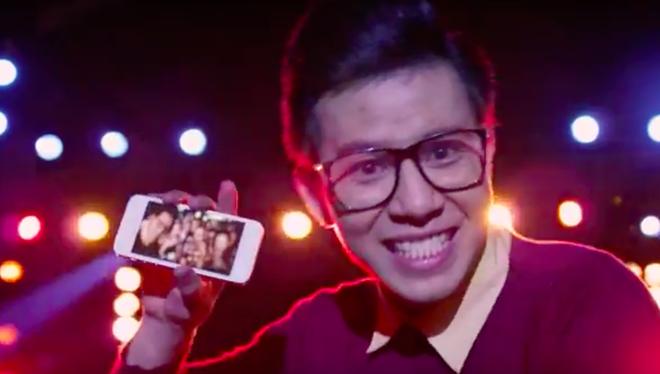 Samsung tung clip cham choc 2 doi thu lon tai Viet Nam hinh anh 1