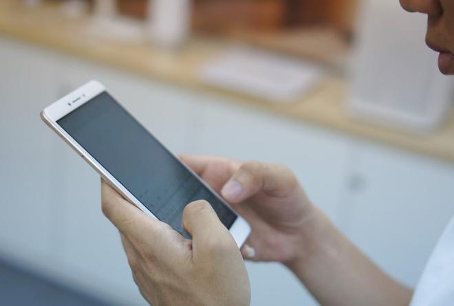 Smartphone khong lo Xiaomi Mi Max co ban nang cap hinh anh