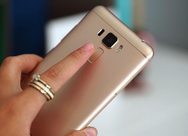 Zenfone 3 Laser len ke, doi dau Oppo F1s va Galaxy J7 Prime hinh anh 1