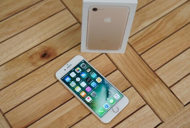 iPhone 7 khoa mang do bo vao Viet Nam hinh anh