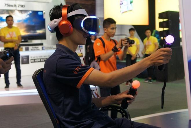 Playstation VR, Xperia ZX hut khach tai Sony Show Ha Noi hinh anh 3