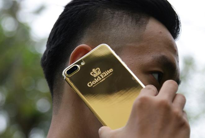 iPhone 7 Plus ma vang gia 180 trieu anh 2