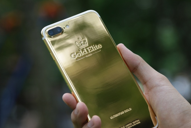 iPhone 7 Plus ma vang gia 180 trieu anh 1