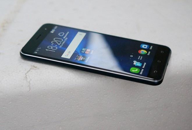 3 smartphone moi ma cu vua ve Viet Nam hinh anh 3