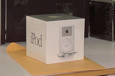 iPod doi dau chao gia 200.000 USD hinh anh