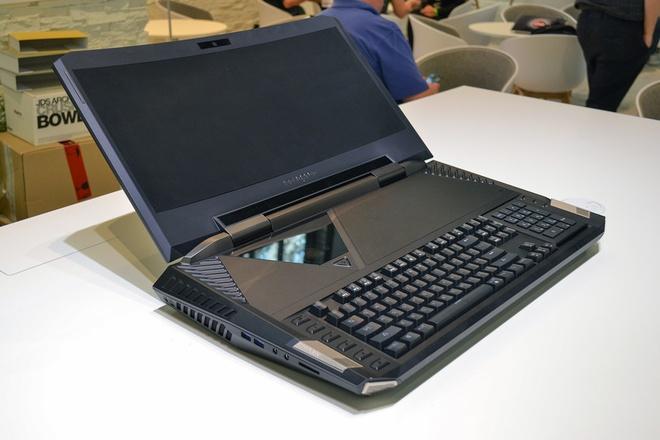Laptop ngay mot to lon va nang ne: Loi tai VR hinh anh 1