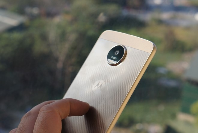 Moto Z 2017 voi chip Snapdragon 835 lo dien hinh anh