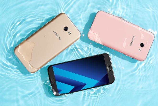 Galaxy A5, A7 2017 co gia 9 va 11 trieu, len ke ngay 18/2 hinh anh