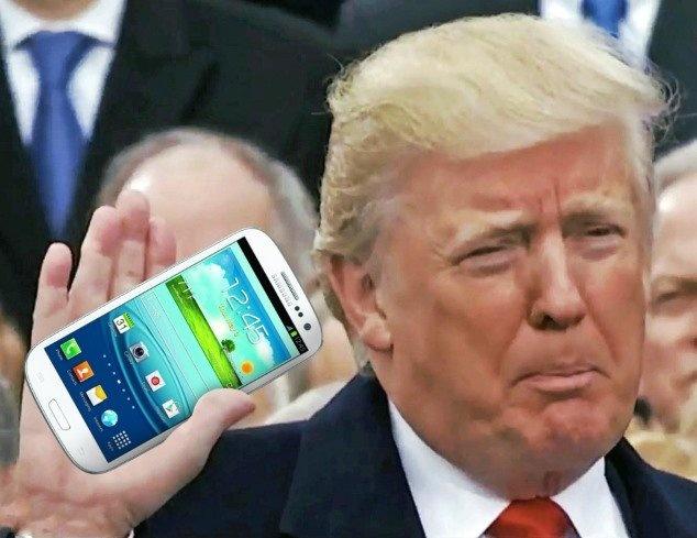 Donald Trump se gap nguy hiem neu van dung dien thoai cu hinh anh