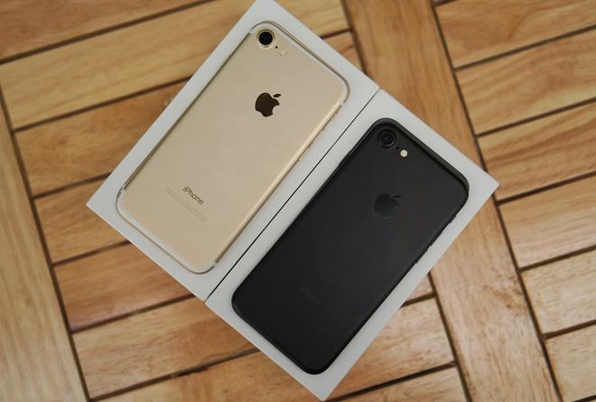 'Mua iPhone 7, ban da chon sai iPhone' hinh anh