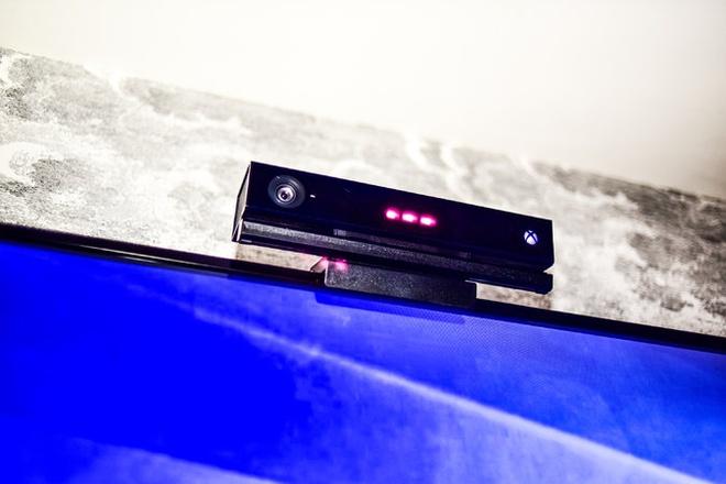 TV, smartphone dang tro thanh tai mat cua nha quang cao hinh anh 3