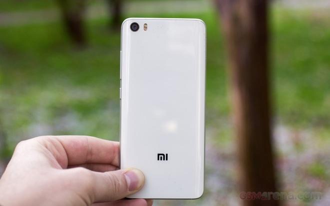 Xiaomi Mi 6 se dung camera giong Xperia XZ Premium hinh anh 1