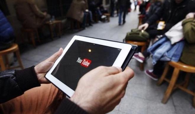 Google xin loi vi YouTube hien thi quang cao tren video cuc doan hinh anh