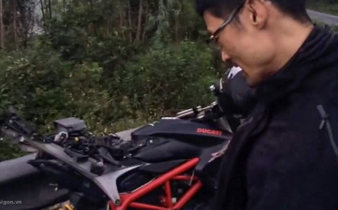 Tai nan khien chiec Ducati Hypermotard cua Johnny Tri Nguyen vo nat hinh anh