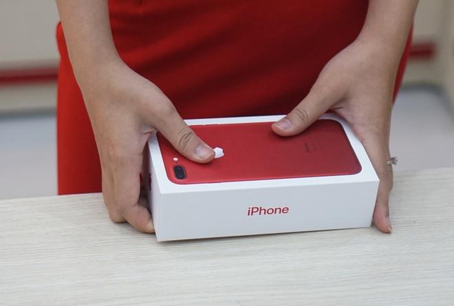 iPhone 7 mau do chinh hang len ke som tai Viet Nam hinh anh