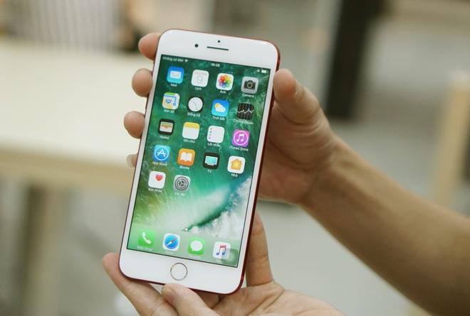 iPhone 7 mau do chinh hang len ke anh 7