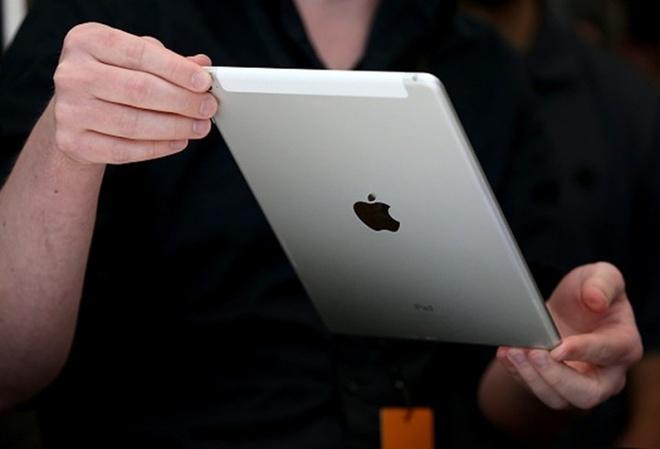 So sanh iPad 2017 va iPad Air 2 hinh anh