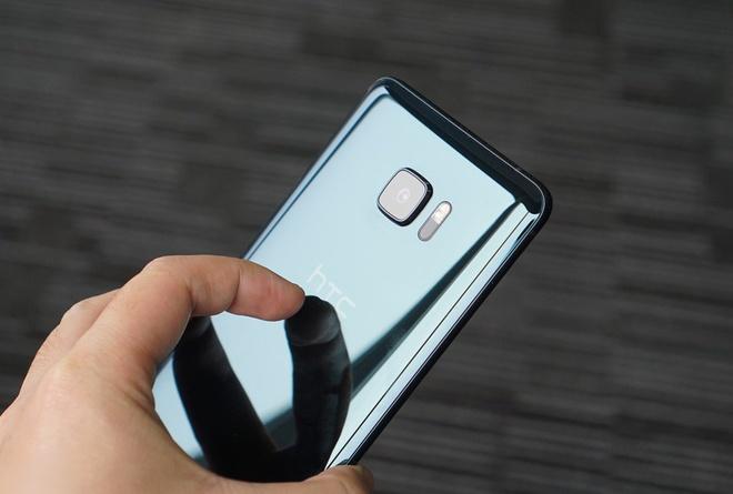 HTC U Ultra giam gia anh 1