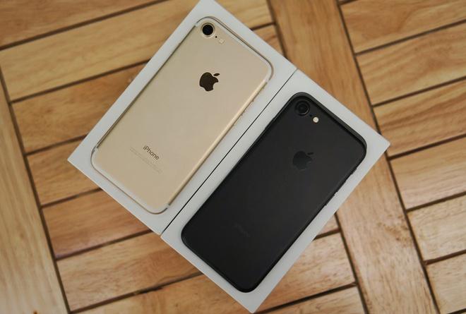 iPhone khoa mang khong hut khach sau con sot SIM ghep than thanh hinh anh