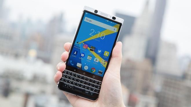 10 ly do nen vut bo iPhone 7 de mua BlackBerry KeyOne hinh anh