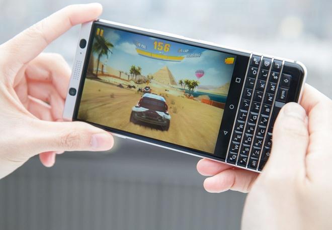 10 ly do nen vut bo iPhone 7 de mua BlackBerry KeyOne hinh anh 3