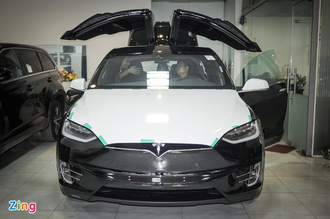 Tesla Model X ve Ha Noi anh 1