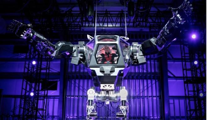 Jeff Bezos thu nghiem robot khong lo trong nhu quai vat hinh anh