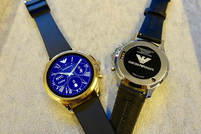 Cac hang thoi trang dang cuu nguy cho smartwatch hinh anh