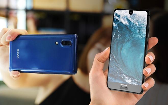 Sharp ra mat smartphone tran vien, camera giong iPhone 8 hinh anh