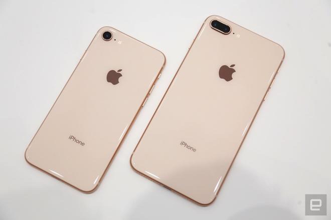 Thuc te iPhone 8, 8 Plus: Don bay de ban iPhone X? hinh anh