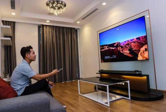 LG Signature W: TV dan tuong 2 mm, gia 300 trieu dong hinh anh 4