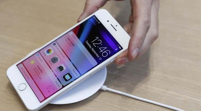 Lan dau trong lich su, iPhone moi khong chay hang hinh anh 1