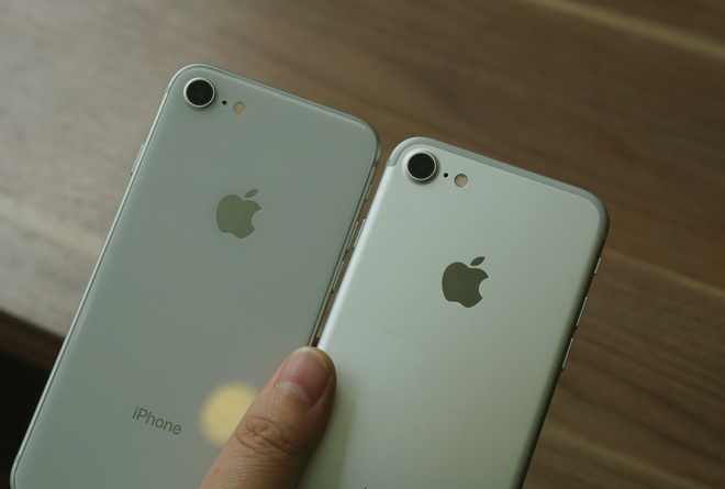 iPhone 8 do dang voi iPhone 7 hinh anh