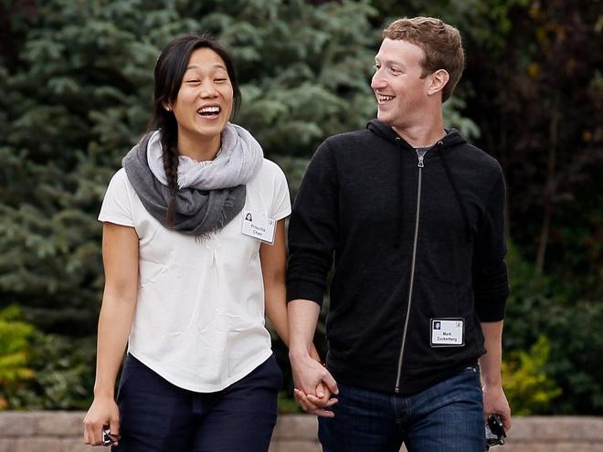 So huu 74 ty USD, CEO Facebook o biet thu nao, di xe gi? hinh anh