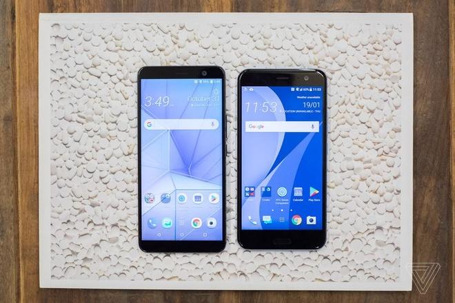 HTC U11+ ra mat, co ban nap lung trong suot hinh anh 2