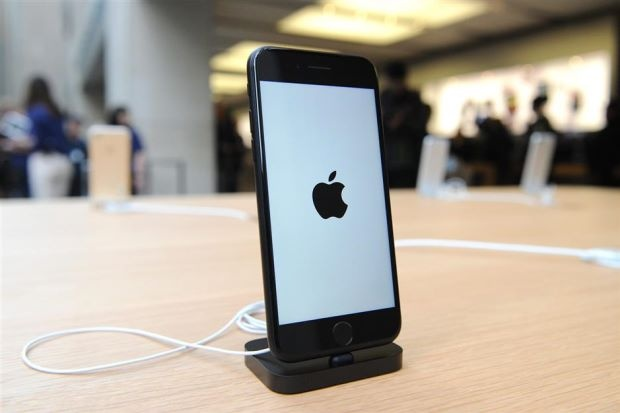 iPhone 7 la smartphone ban chay nhat the gioi quy III hinh anh