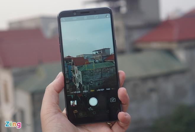 Mo hop Oppo F5: Di dong tam trung ngay cang hoan thien hinh anh 10