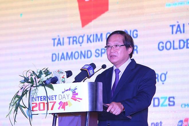 Bo truong TT&TT: 'Internet lam thay doi cuoc song nguoi Viet' hinh anh 1