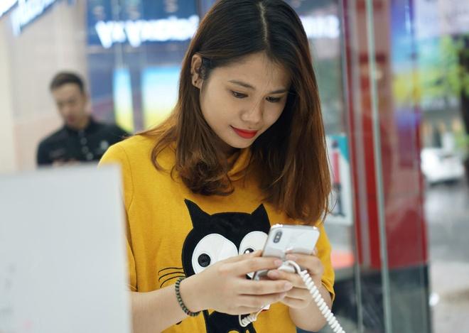 Thi truong 2017: Samsung thong tri, di dong Viet khoi sac hinh anh