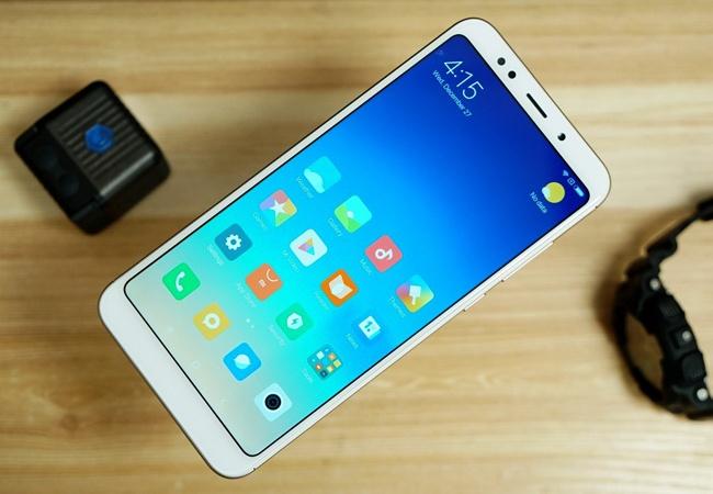 5 smartphone man hinh lon gia tot cho nam 2018 hinh anh